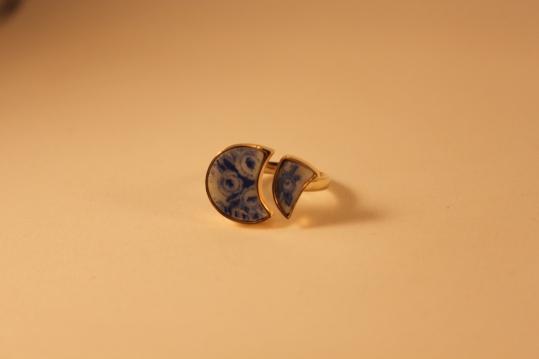 Geschirr-Ring Au 333/- mit Porzellanscherben